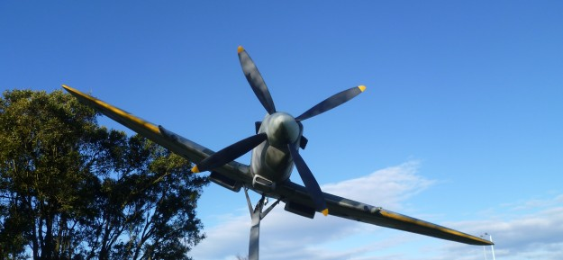 Spitfire TE 288, Replica, Christchurch Airporthttp://jamesevansjenkins.wordpress.com/2012/10/07/the-christchurch-brevet-club/
