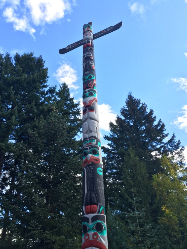 Chief Lelooska's Totem Pole, Oregon Zoo, Portland, 2014